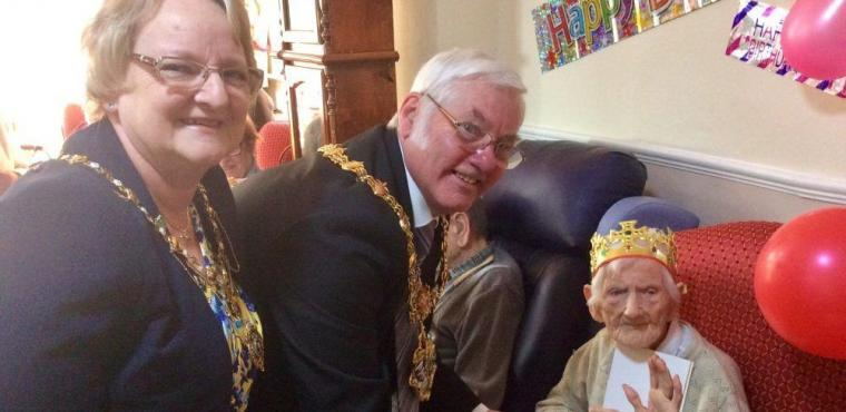 Party for one of Rotherham's oldest residents, Clarice, 105