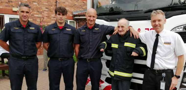 Ex-firefighter receives medal for 40 years as union member