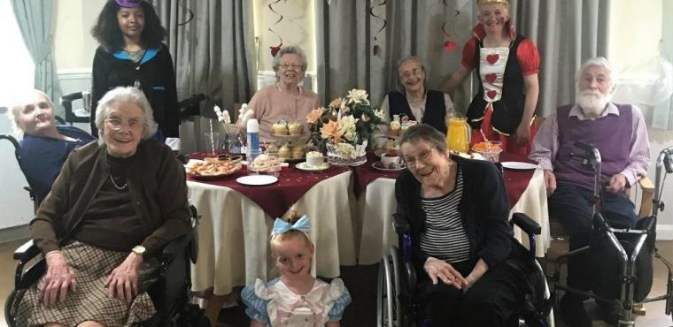 Elderly visit Wonderland on World Friendship Day