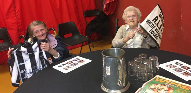 Elderly Vikings fans celebrate anniversary of Chemics Café