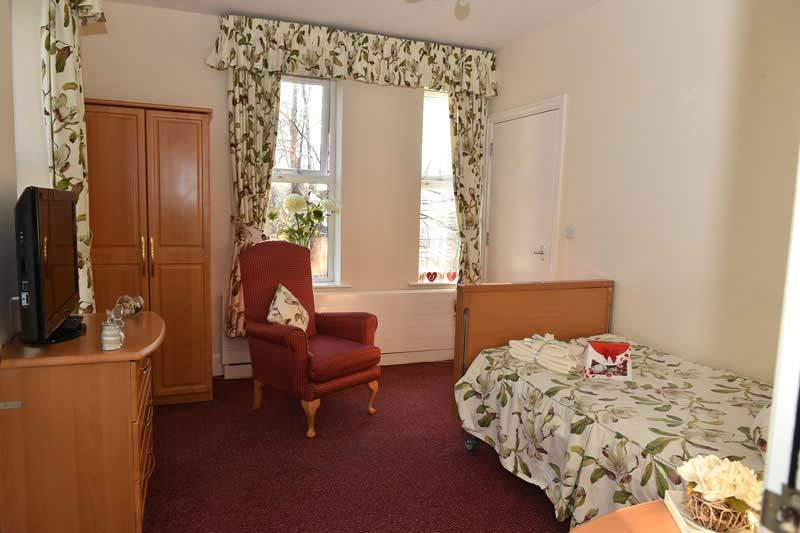 Springbank-house-residential-care-home-chesterfield.jpg