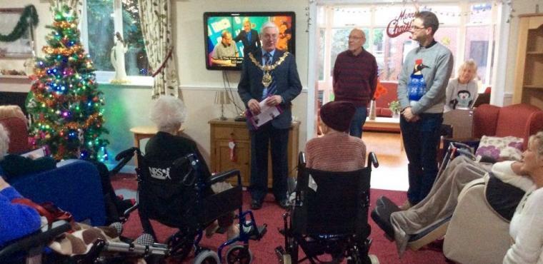 Mayor joins care home carol service