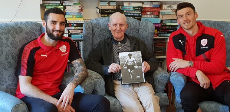 Barnsley FC legend meets first team players ahead of final match of the season