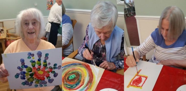 Elderly explore the abstract in National Day of Arts