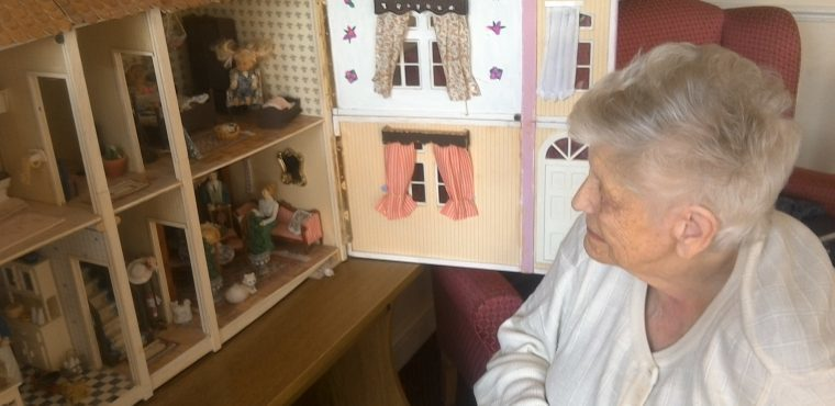 Dolls house brings back childhood memories for nonagenarian
