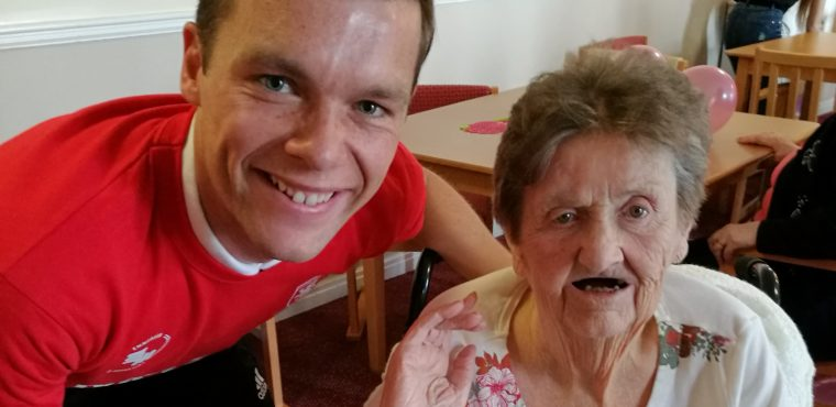 Footballers inspire nun with dementia to play organ from memory
