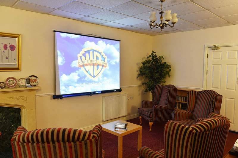 residential care home Nottingham tv lounge