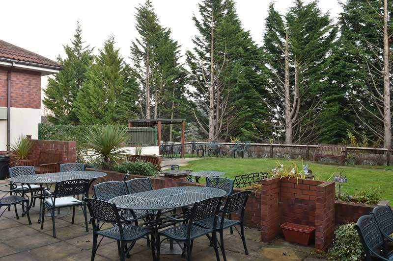 the-beeches-residential-care-home-newtown